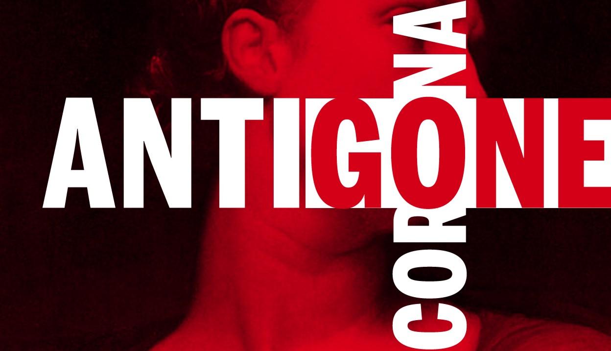 Text im Bild: Antigone - Corona Hintergrundbild einer Frau ab Schulter bis Augenbraue im Profil in Farbfilter mit tiefem Rot und Schwarz. Quelle: https://akt-heidelberg.de/wp-content/uploads/2021/03/Antigone-Corona.jpg